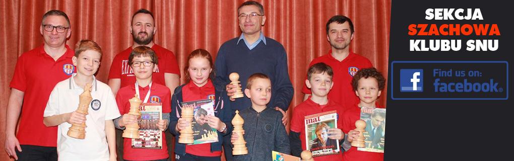 Stronę sekcji szachowej Klubu Sportowego Sióstr Niepokalanek Ursynów (KSSSN Warszawa) znajdziesz na FB